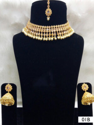 01B White Pearl Necklaces Set with Maang Tika