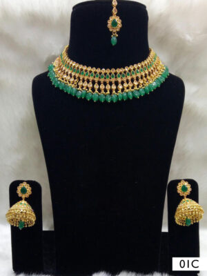 01A Green Pearl Necklaces Set with Maang Tika